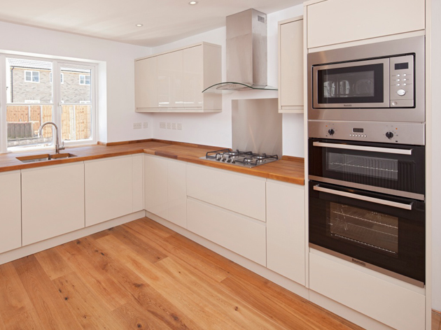 Modern Kitchen Fitting in Kidlington